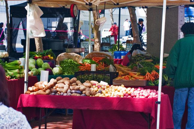Farmer's-Market-Produce