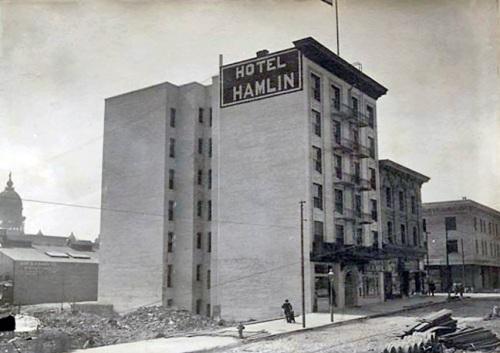 Hotel-Hamlin-
